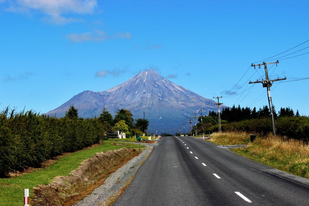 mount-tanaraki-road-new-zealand