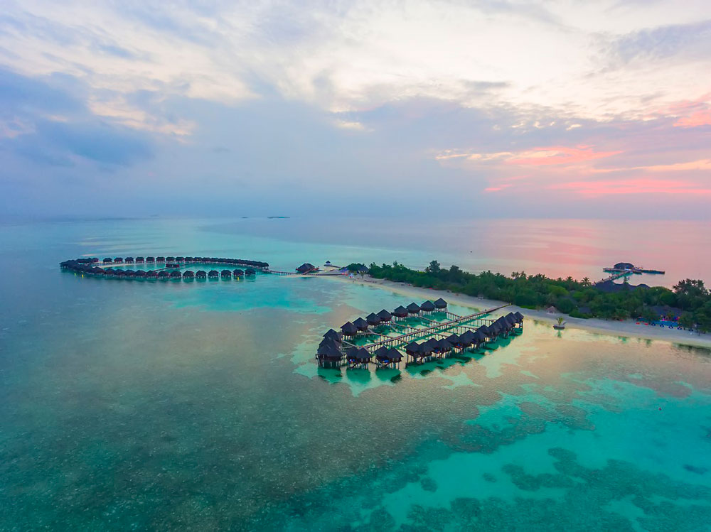 Olhuveli Beach & Spa Maldives vecer
